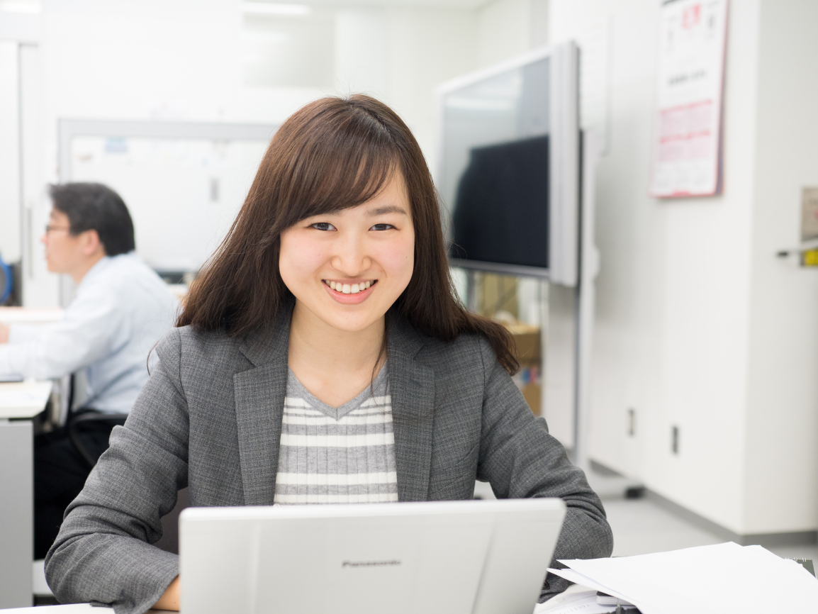 株式会社アクタ 営業部 久保彩子 image01